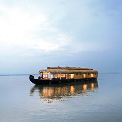 Luxury Houseboat Kerala