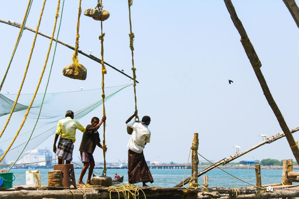 Kerala houseboat tour to see Fort Kochi Chinese Fishing Nets