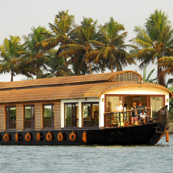 Ultra Luxury Houseboat Fennel