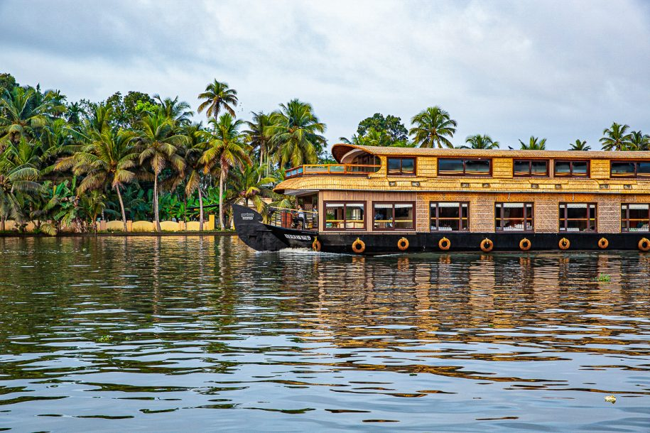 Luxury houseboats in Alleppey | Spice Routes Luxury Cruises