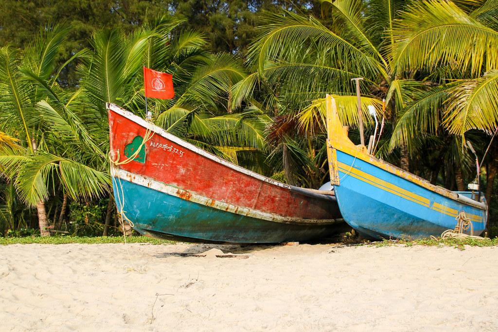 Boats at Marari Beach | Photo Courtesy: Andy